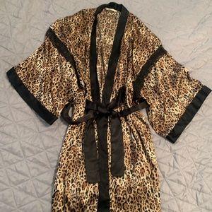 VS Silk Robe